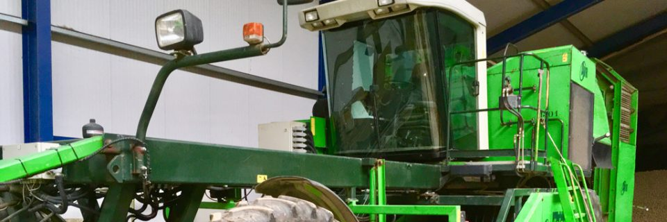 In – verkoop van landbouw machines en tractoren
